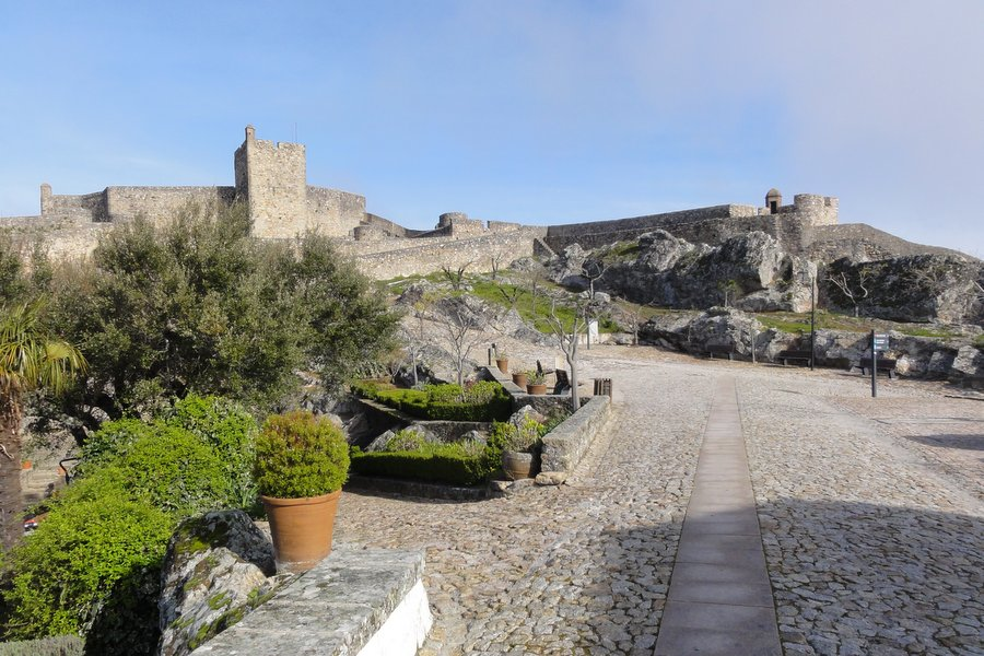 Cycling in Portugal - Castles and Wine