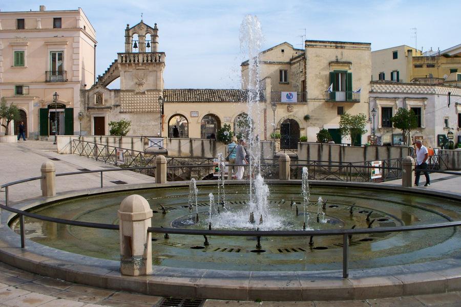 Central Square in Puglia - cycling in Puglia