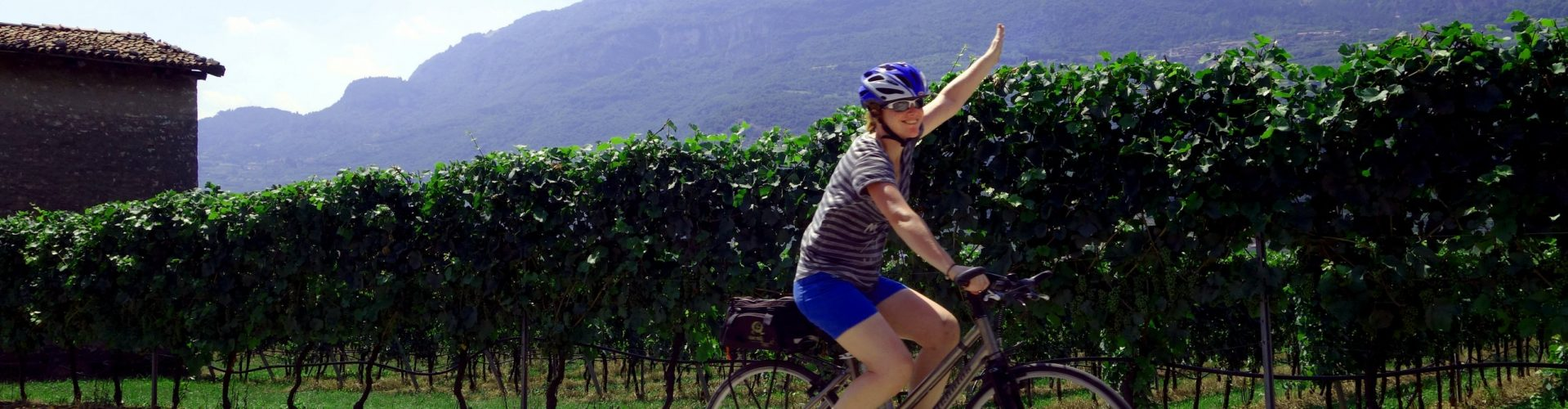 Guided Bike Tours Lakes District in Italy